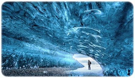 Gua-Ais-Iceland 10 KEAJAIBAN DUNIA ARTIK DARI PENGALAMAN DI ICELAND
